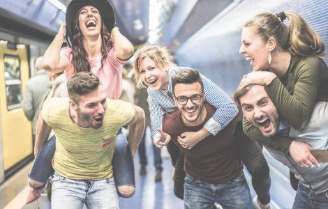 REACHING STUDENTS – SOCIALISING